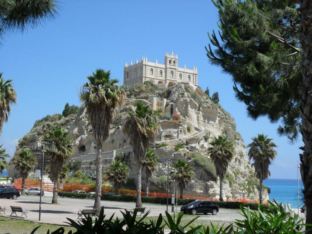 Santa Maria dell'Isola Tropea in Kalabrien