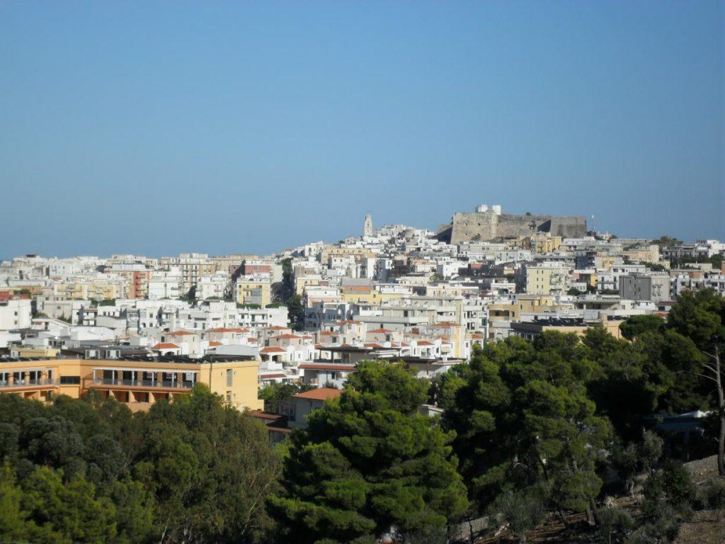 Blick über Vieste in Apulien