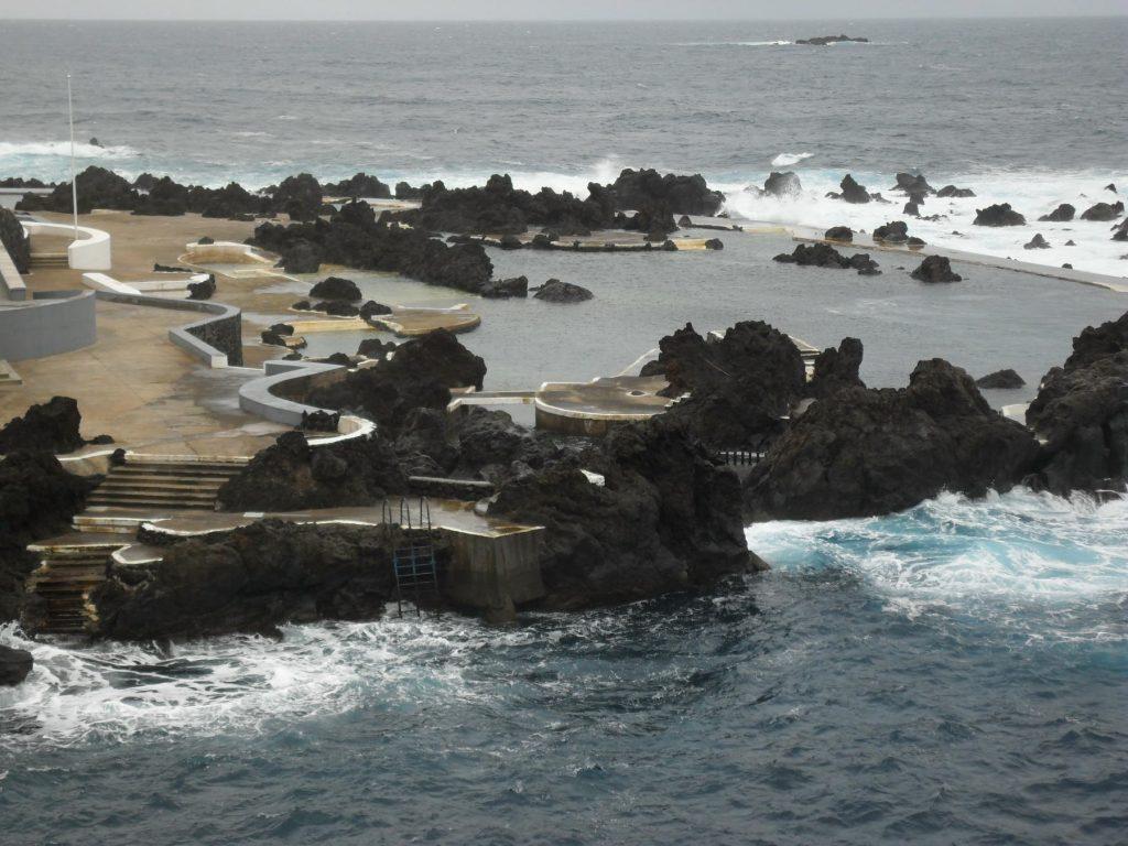 Naturschwimmbecken Porto Moniz auf der Insel Madeira