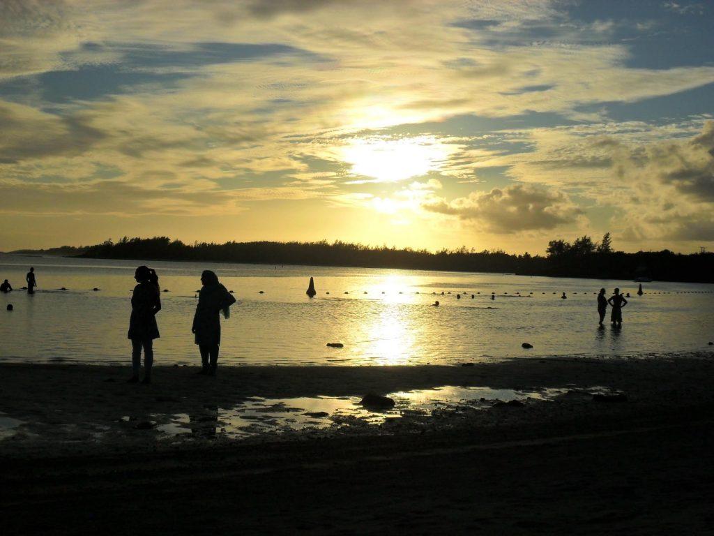 Sonnenuntergang Blue Bay auf Mauritius