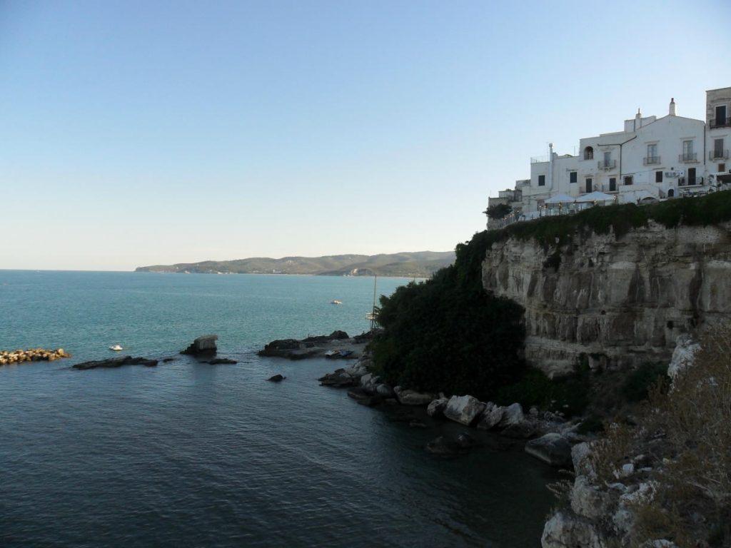 Küste und Altstadt von Vieste, Apulien