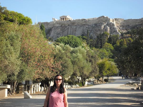 Antike Agora mit Blick auf Akropolis in Athen