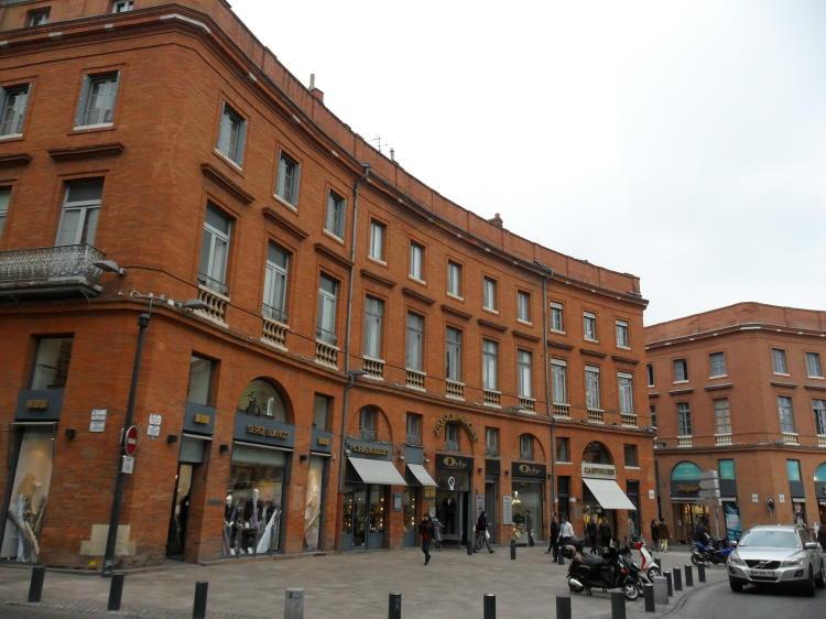 Häuser der rosaroten Stadt Toulouse