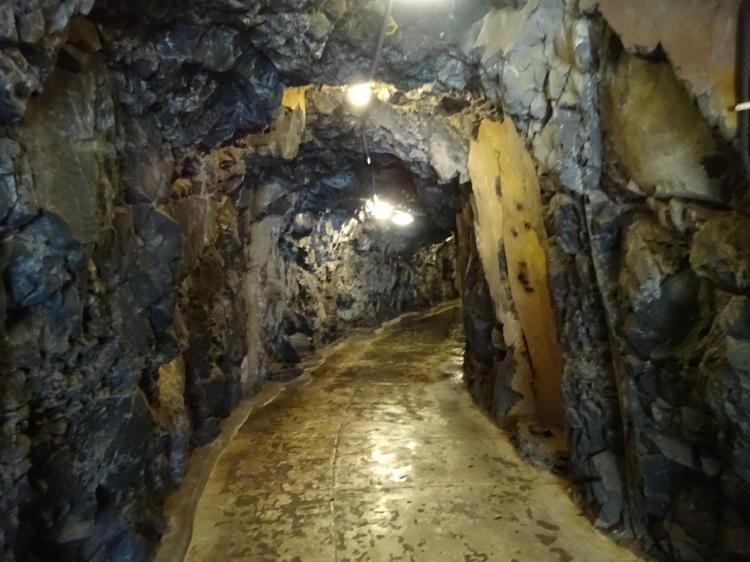 Tunnel - Küstenwanderweg nach Funchal