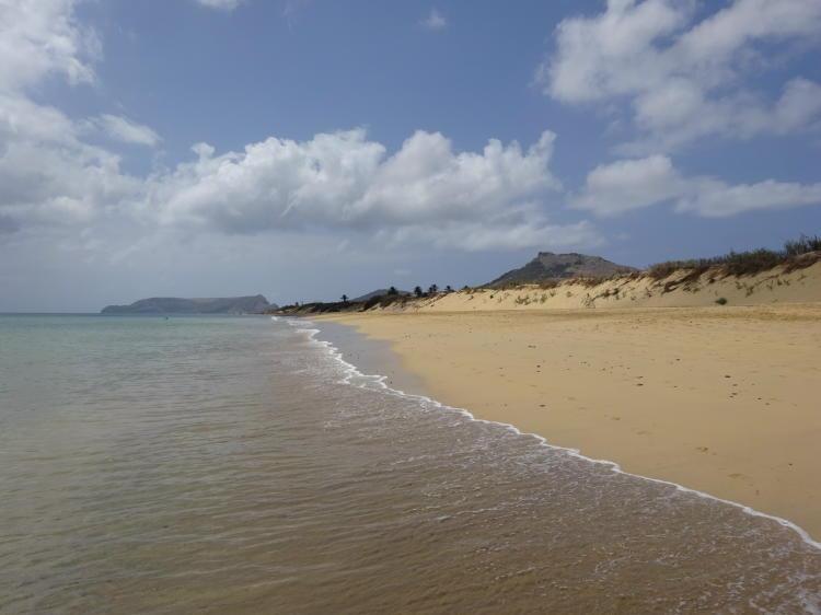 Goldgelber Strand von Porto Santo