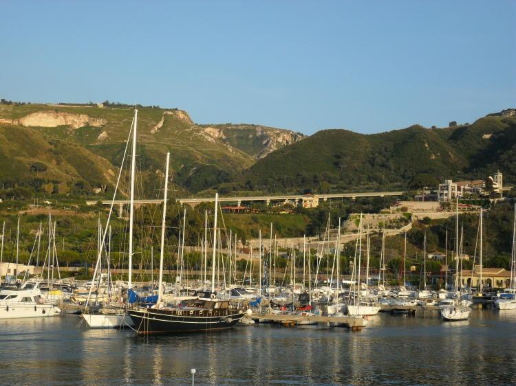 Tropea Hafen