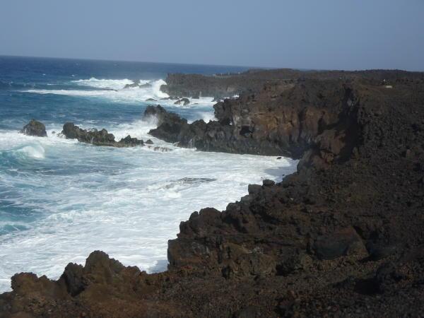 Lavaküste im Westen von Lanzarote